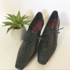 Aerosoles Black Oxford Lace-up Heels